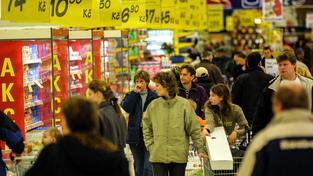 Češi loni utratili v supermarketech desítky miliard korun (Ilustrační snímek)