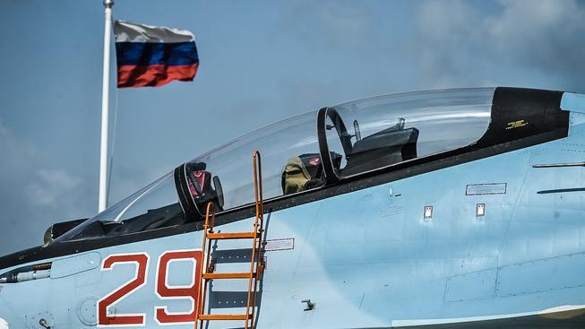 Ruské letectvo se ze Sýrie vrací domů