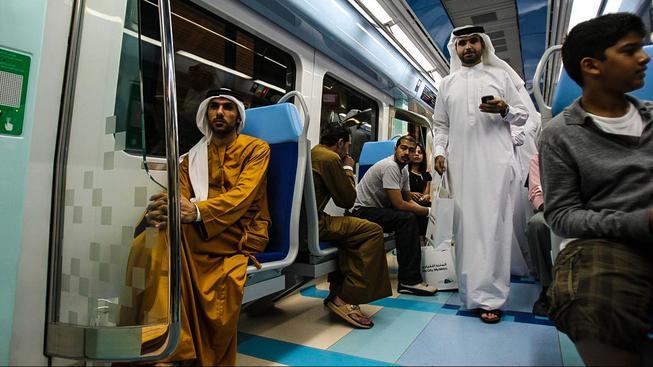 Metro už odlehčilo dopravě v Dubaji