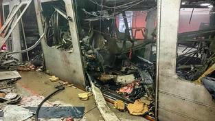 Tak vypadal vlak po výbuchu ve stanici Maalbeek