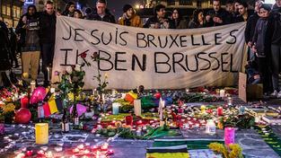 Lidé v Bruselu si připomínají oběti úterních útoků