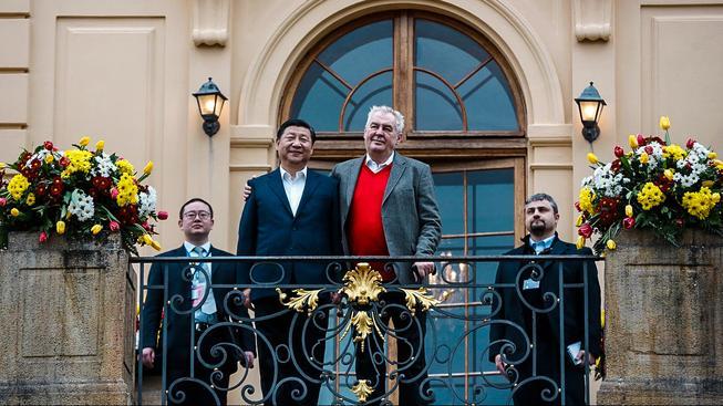 Čínský prezident  Si Ťin-pchingem a český prezident Miloš Zeman