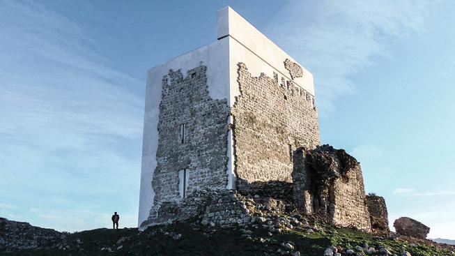 Opravená Matrera původní hrad příliš nepřipomíná