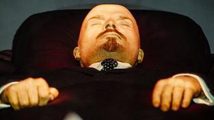 Dobře nabalzamovaný Vladimir Iljič Lenin odpočívá v neprůstřelné rakvi už 92 let