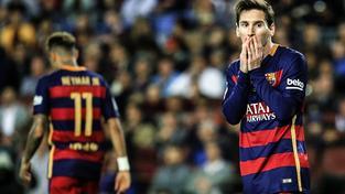 Lionel Messi vstřelil v neděli 500. branku své profesionální kariéry, prohru svého týmu ale neodvrátil
