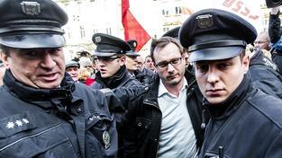 Policie obvinila Adama B. Bartoše ze tří trestných činů proti lidskosti