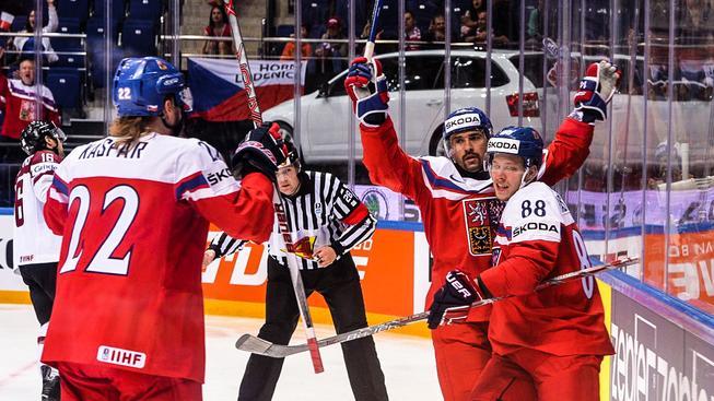 Tomáš Plekanec slaví druhý gól v zápase