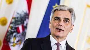 Rakouský kancléř Werner Faymann rezignoval