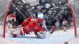 Jeden z 8 kanadských gólů v běloruské síti