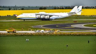 Letadlo Antonov An-225 Mrija je největší na světě