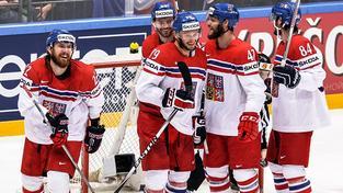 Robert Kousal (druhý zleva vzadu) by rád s týmem slavil i vítězství ve skupině