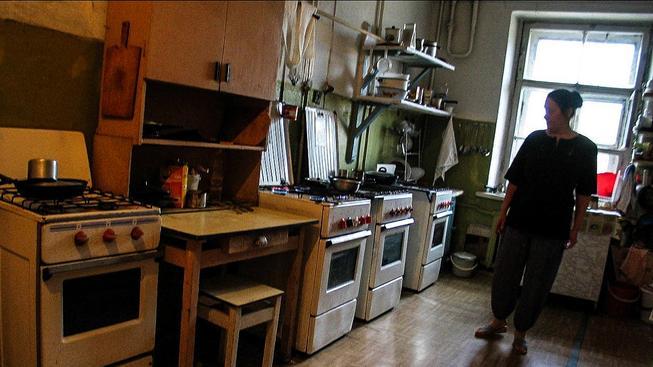 V kuchyni petrohradské komunálky