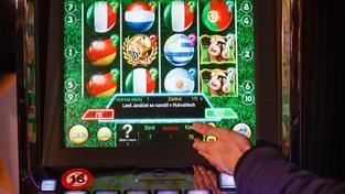 Senát schválil přísnější regulaci hazardu, která zvýšila zdanění automatů (Ilustrační snímek)