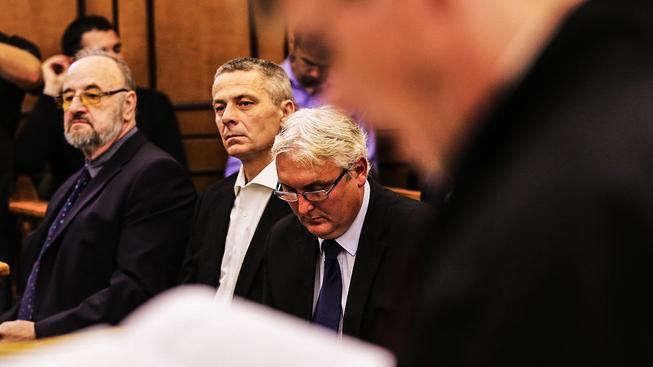 Znalec Rudolf Doucha (vlevo) kvůli svému posudku hodnotící OKD skončil u soudu jako obžalovaný