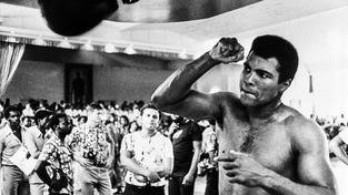 Muhammad Ali byl trojnásobným světovým šampionem těžké váhy