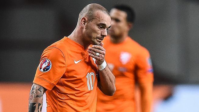 Zklamaný Wesley Sneijder po posledním zápase kvalifikace
