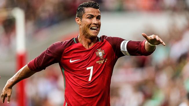 Cristiano Ronaldo vystřídal na čele žebříčku boxera Floyda Mayweathera