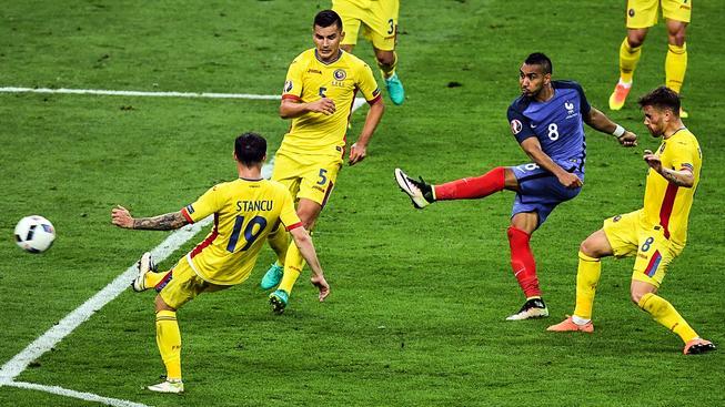 Dimitri Payet střílí rozhodující gól zápasu