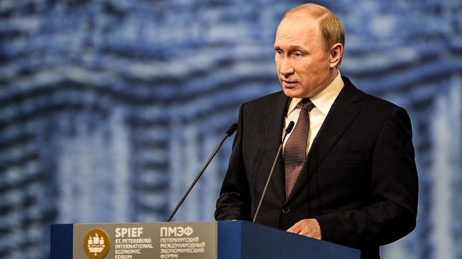 Ruský prezident Vladimir Putin vystoupil na ekonomickém fóru v Petrohradu