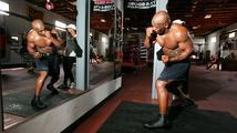 Výhry v ringu, vězení i bankrot: Železný Mike slaví padesátku
