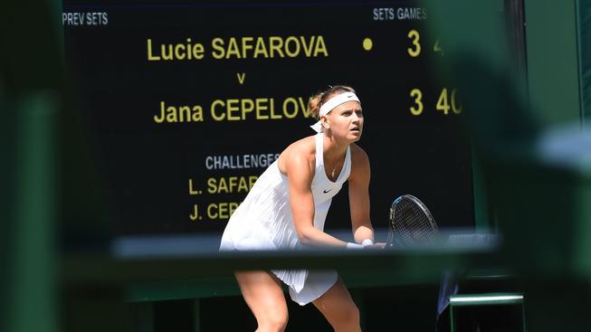 Šafářová zvládla dlouhý zápas se Slovenkou Čepelovou a slaví postup do osmifinále