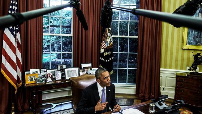 Obama při podpisu zákonu, který by měl zachránit Portoriko