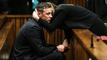 Pistorius půjde za vraždu přítelkyně do vězení na šest let