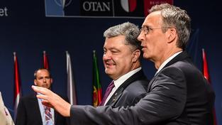 Ukrajinský prezident Petro Porošenko by mohl o agresivitě Ruska vyprávět. A také jistě vyprávěl