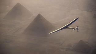 Letoun Solar Impulse dorazil do Káhiry