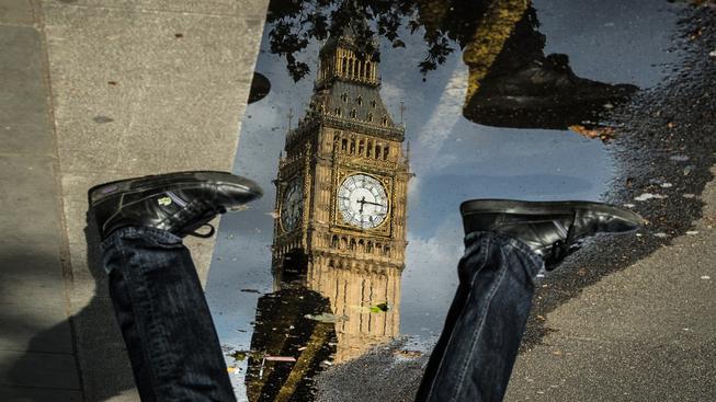 Britská politická scéna ne vzhůru nohami. Ilustrační snímek
