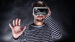 Virtuální svět nás obklopuje čím dál víc, politika na to zatím nedokáže reagovat dostatečně rychle. Ilustrační snímek