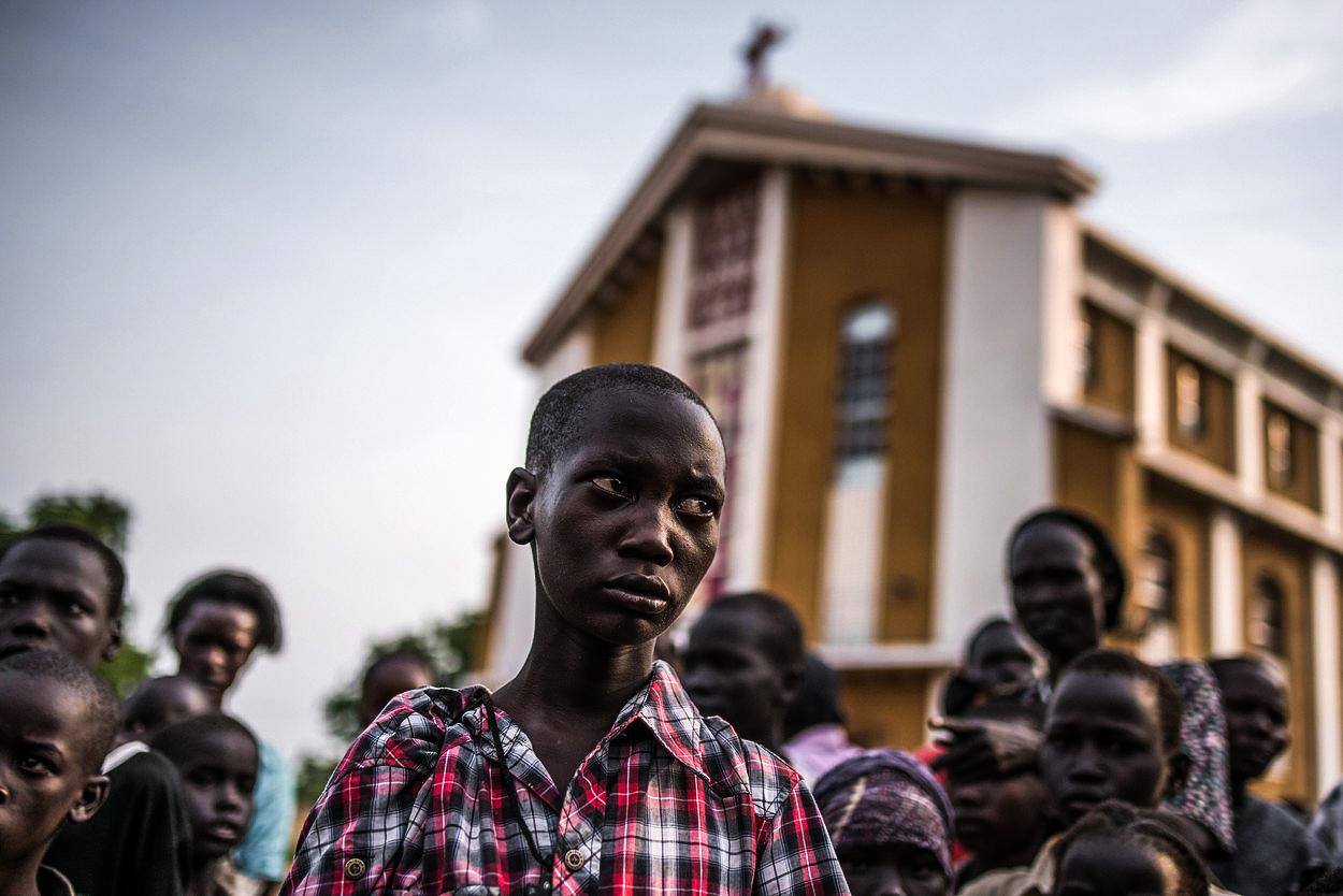 Trable 'miláčka Západu': Nejmladší stát světa slavil výročí krveprolitím