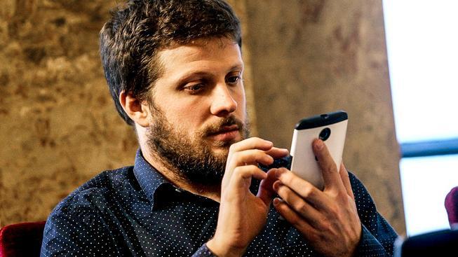 Matěj Hollan s mobil