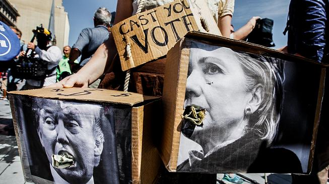 Donald nebo Hillary je pro Američany v podstatě volbou mezi dvěma zly