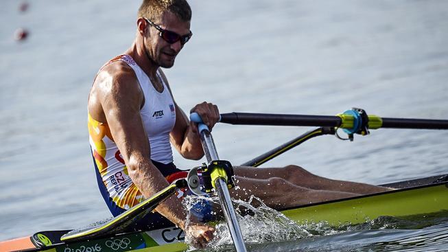 Ondřej Synek zatím na olympijské regatě trpí