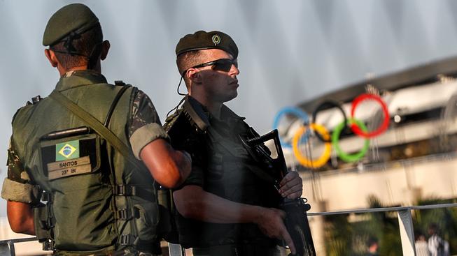 Bezpečnost na hrách střeží na 80 tisíc příslušníků ozbrojených složek