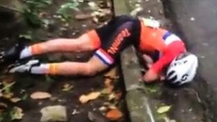 Annemiek van Vleutenová ležela bezvládně na obrubníku bez pomoci dlouhé desítky vteřin