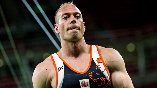 Nizozemský gymnasta Yuri van Gelder začal slavit příliš brzy
