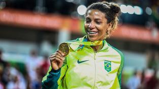 Judistka Rafaela Silvaová se zlatou olympijskou medailí