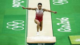 Oksana Čusovitinová ve finále přeskoku na hrách v Riu