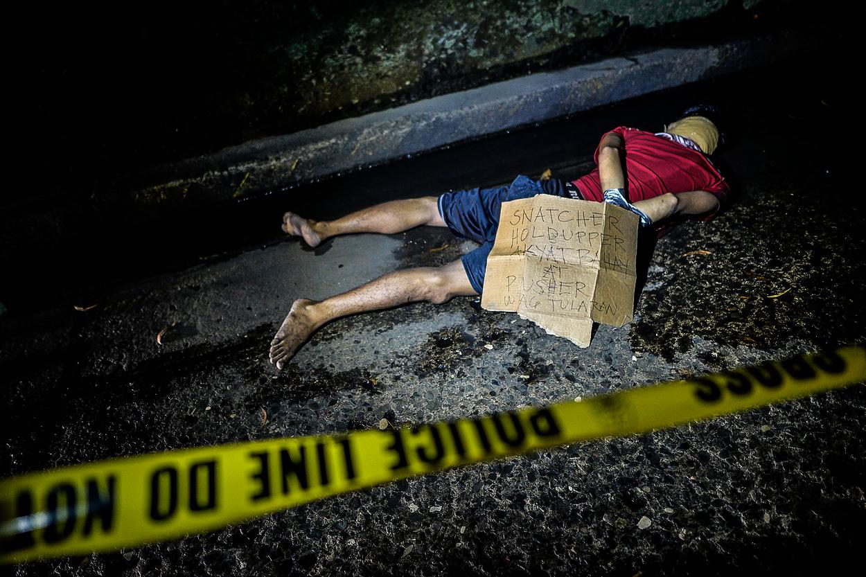 'Státem podporovaná jatka': Drsná válka se zločinem za sebou nechává stovky mrtvých