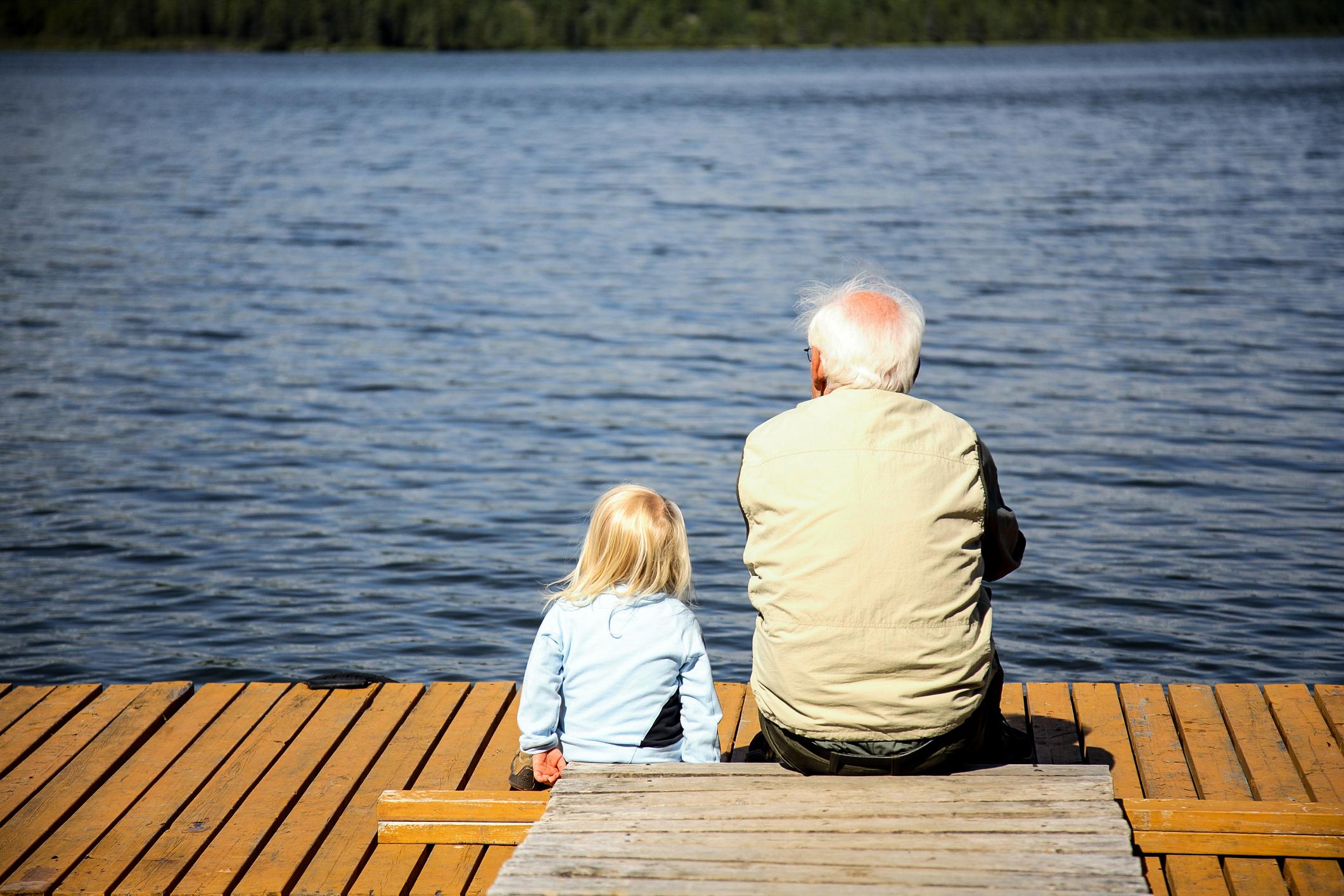 Daň za dlouhověkost a nízkou porodnost: V roce 2075 ve světě převáží senioři nad dětmi