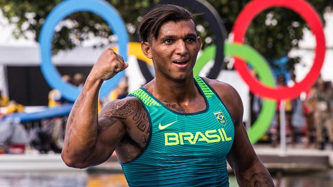 Zaltou medaili vyfoukl Queirozovi na kilometru Němec Sebastian Brendel