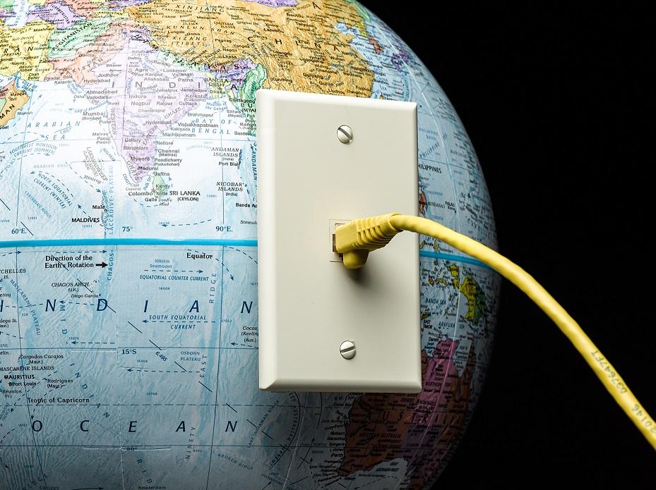 Čtvrt století internetu: Jak světová síť změnila naše životy a jak je ještě změní