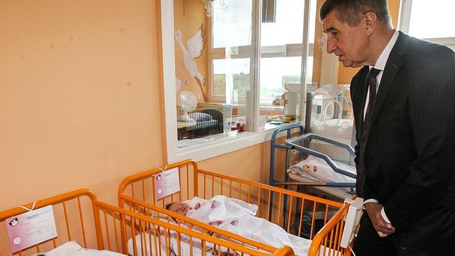 Andrej Babiš na reprodukci sází