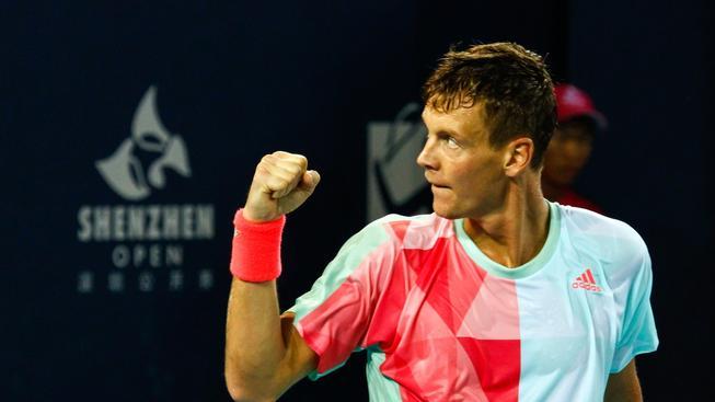 Český tenista Tomáš Berdych zvítězil ve finále až po tříhodinové bitvě