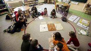 Zájem o soukromé základní školy roste, rodiče se nebojí za netradiční výukové metody typu Montessori připlatit