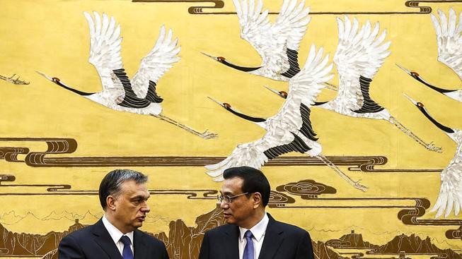 Orbán na návštěvě v Číně