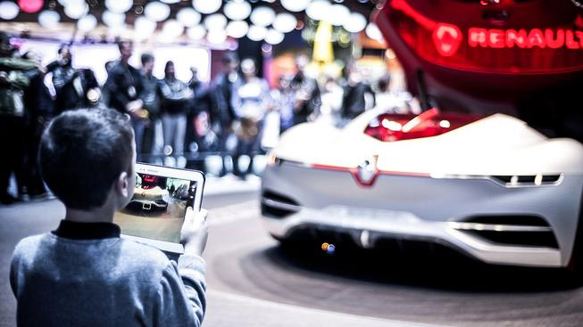 Letošní pařížský autosalon potvrdil, že budoucnost je v elektrických autech