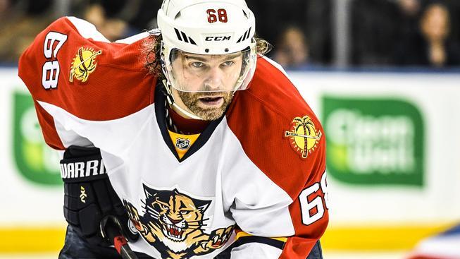 Čtyřiačtyřicetiletý Jaromír Jágr může být po této sezóně historicky druhým nejlépe bodujícím hráčem NHL